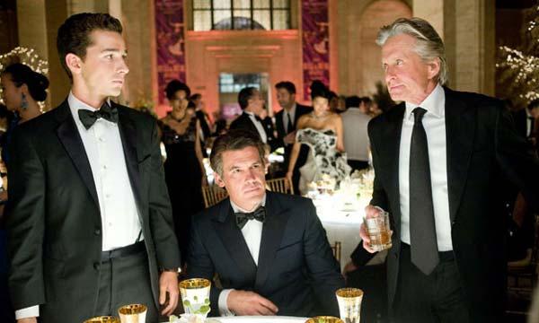Shia LaBeouf, Josh Brolin y Michael Douglas en Wall Street: El dinero nunca duerme