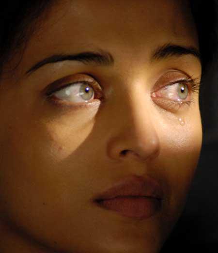 "Finally "" Aishwarya Rai, Real Eyes Color"""
