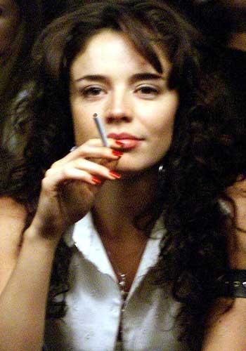 Flora martinez in canciones de amor en el club - 2 part 8
