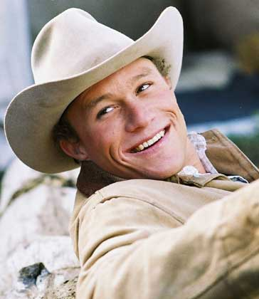 http://www.lahiguera.net/cinemania/actores/heath_ledger/fotos/2166/heath_ledger.jpg