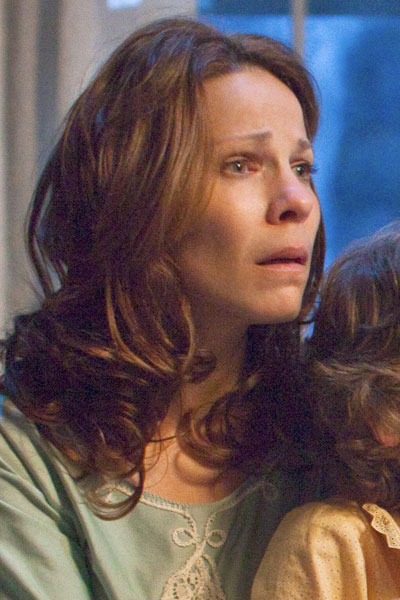 Lili Taylor expediente warren
