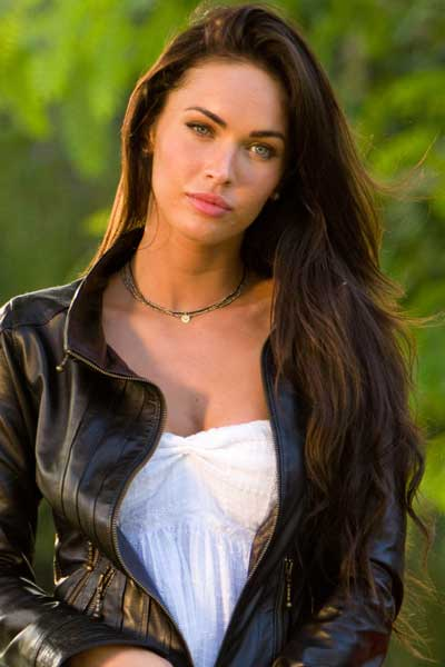 http://www.lahiguera.net/cinemania/actores/megan_fox/fotos/9472/megan_fox.jpg