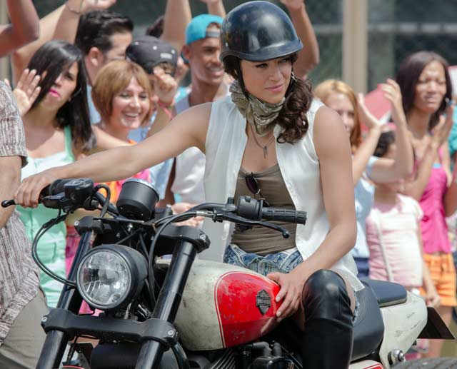 Michelle Rodriguez Fast & Furious 8