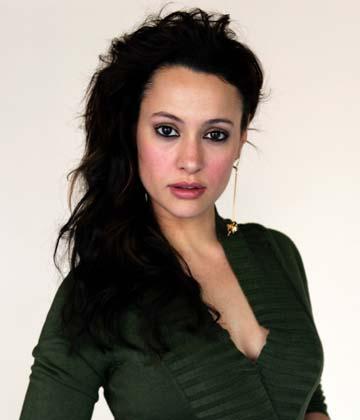 Natalia Verbeke denuncia el 'acoso' de los 'paparazzi' a