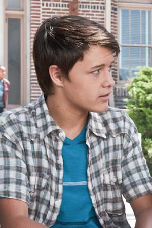 nolan sotillo phone number