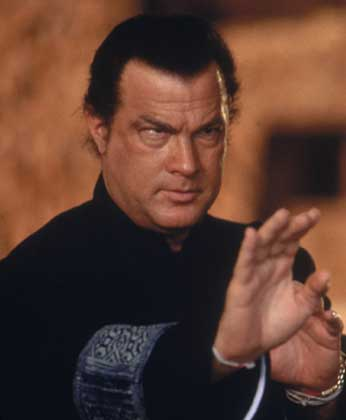http://www.lahiguera.net/cinemania/actores/steven_seagal/fotos/1913/steven_seagal.jpg