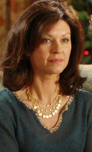 Wendy Crewson - Wallpaper Actress