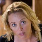 "Virginia Madsen en ""Father of Invention"""