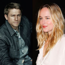 Charlie Hunnam y Dakota Johnson en Cincuenta sombras de Grey