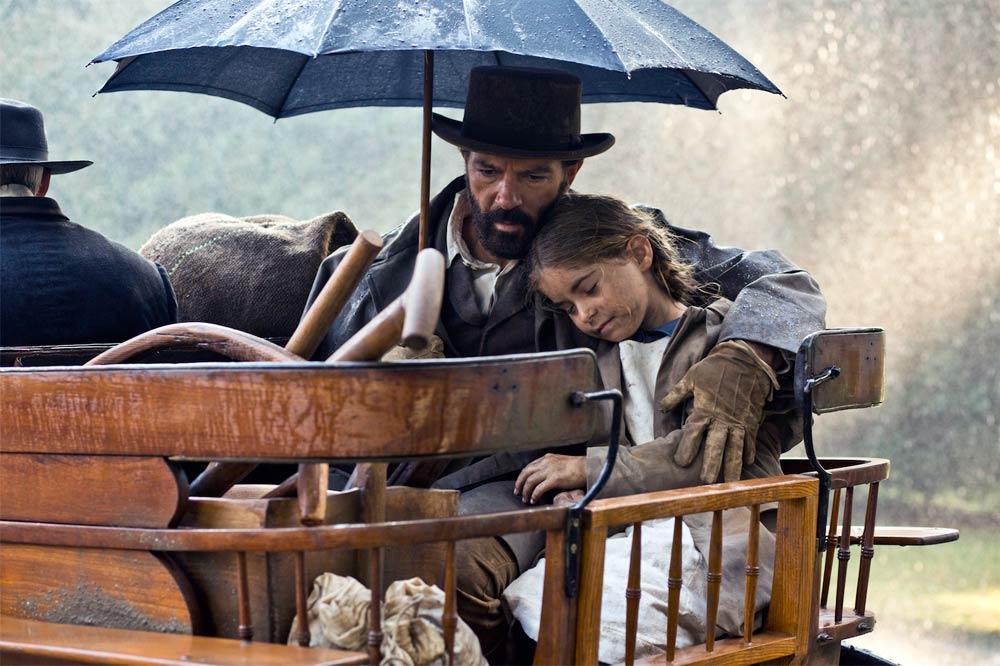 Altamira - fotograma de la película con Antonio Banderas y Allegra Allen