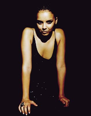 chenoa latino personals Chenoa was born maria laura in mar chenoa generated enough hit singles and buzz to make the way for dedicated touring throughout europe and latin america won.