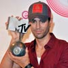 Enrique Iglesias MTV Backstage photo room / 18