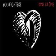 Foo Fighters: One By One - portada mediana