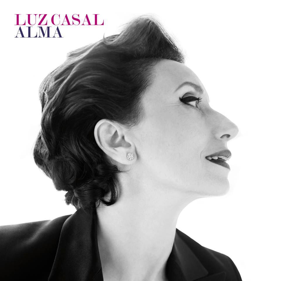 Luz Casal: Alma - la portada