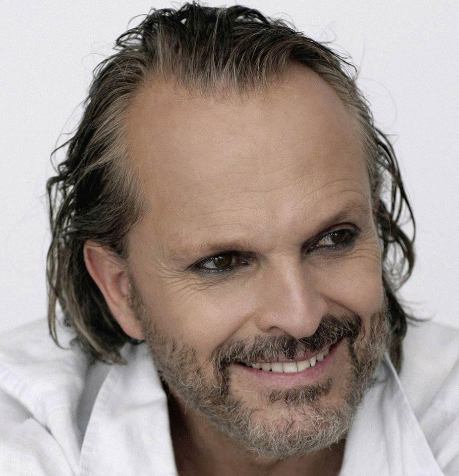 Miguel Bosé foto de promo de Amo