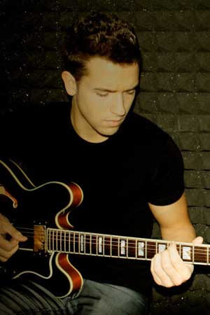 alborn single personals Pablo moreno de alborán ferrándiz (born 31 may 1989 in malaga) popularly known as pablo alborán, is a spanish musician, singer  of all his singles, .