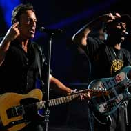 Tom Morello ya gira con Bruce Springsteen