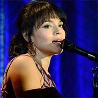 "Norah Jones canta para la pel�cula ""They came together"""