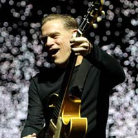 Un disco de versiones de Bryan Adams