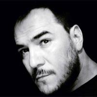 Ismael Serrano lidera la lista de discos con 'La llamada'