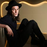 James Bay lidera la lista brit�nica de discos