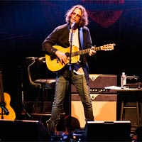 Las versiones de Chris Cornell y Chvrches