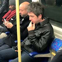 Un mundo normal por Noel Gallagher