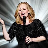 Adele sigue nº1 en la Billboard 200 con '25'