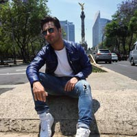 Bustamante nº1 en discos en España con 'Amor de los dos'