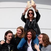 Blossoms lidera la lista brit�nica de discos
