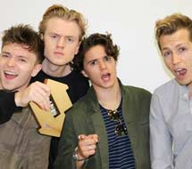 "The Vamps nº1 en discos en UK con ""Night & day"""
