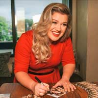 Kelly Clarkson en modo En Vogue