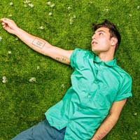 "Yoke Lore nº1 en LaHiguera.net con ""Fake you"""