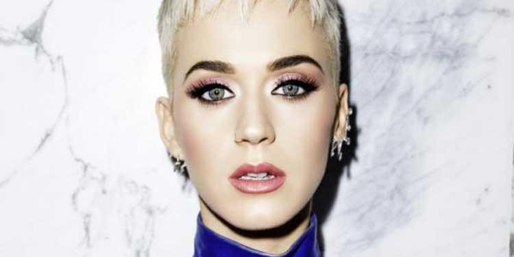 Katy Perry con Dolly Parton en la 61ª edición de los Grammy