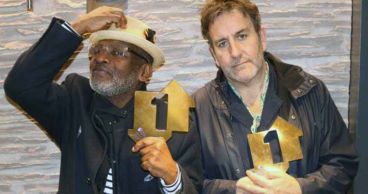 "The specials nº1 en discos en UK con ""Encore"""