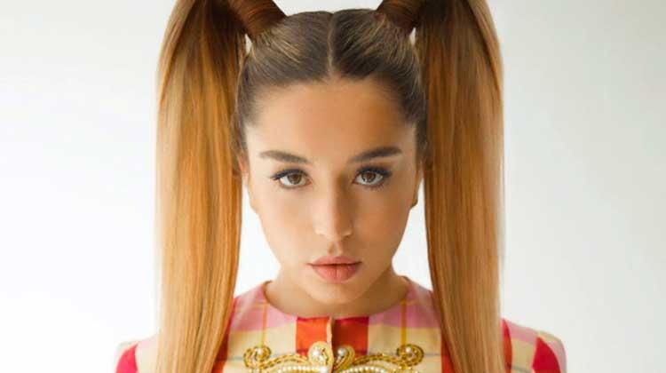 Lola Indigo nº1 en discos en España con 'Akelarre'