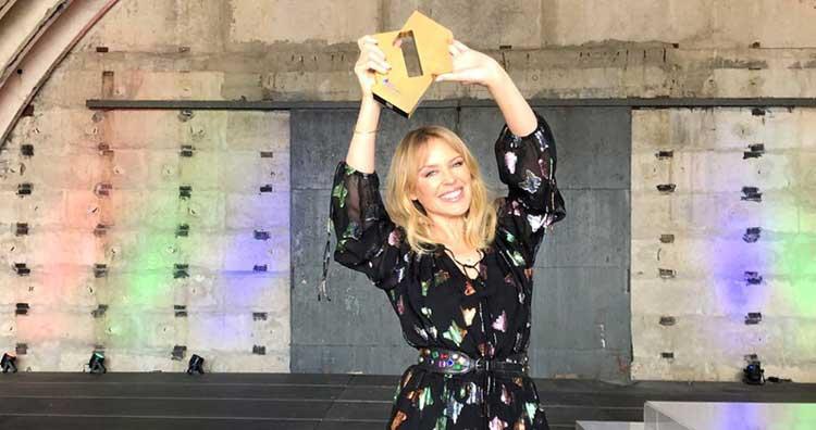Kylie Minogue nº1 en UK con 'Step back in time'