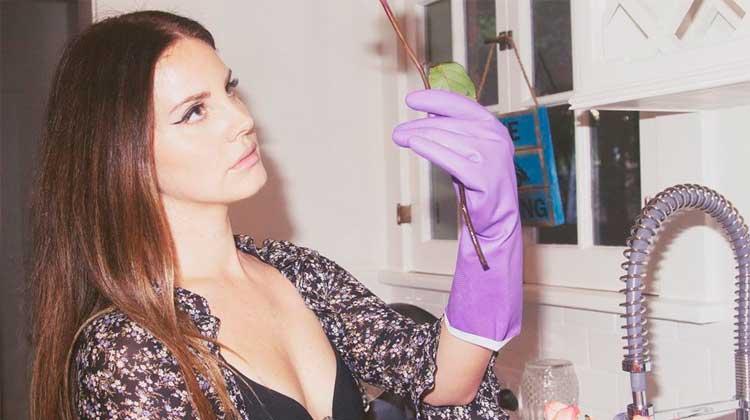 Lana Del Rey vuelve al modo cover