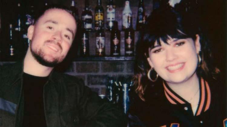 Lily Moore y M. Sabre nº1 en LaHiguera.net con 'In-between'