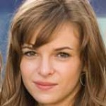 "Danielle Panabaker se une a ""The Ward"""