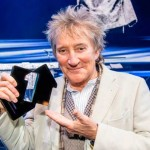 Rod Stewart sigue nº1 en discos en UK con You're in my heart