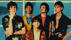The Strokes nº1 en LaHiguera.net con 'At the door'