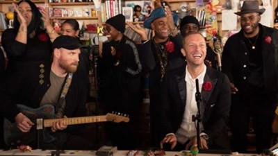 Coldplay versiona el 1999 de Prince en un Tiny Desk Concert
